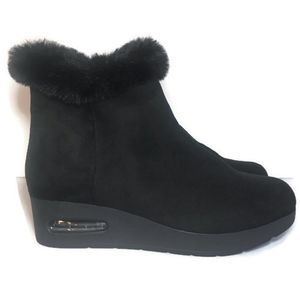 🆕 DKNY Aron 8 Faux Fur Wedge Side Zip Suppor Boot